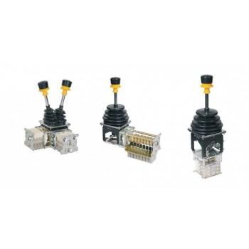 Промышленные командоконтроллеры и промышленные джойстики серии QT, RT, XKBA, XKDF, YJ для башенных кранов, мостовых и козловых кранов, портальных кранов